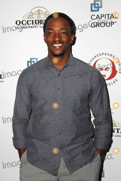 """Anthony Mackie, Shakespear Photo - Anthony Mackie at the 25th Annual Simply Shakespeare Benefit Reading Of """"Twelfth Night."""" Broad Stage, Santa Monica, CA 12-08-15"""