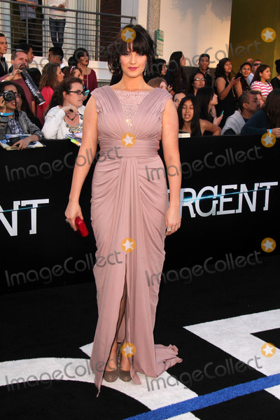 Amy Newbold Photo - Amy Newbold