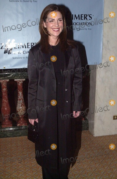 Peri Gilpin Photo -  Peri Gilpin at A Night At Sardis, benefitting Alzheimers Research, Beverly Hills, 03-01-00