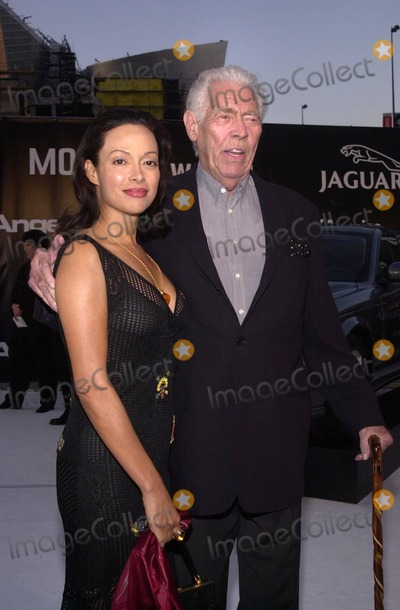 James Coburn, Andy Warhol, Paula Guilló Photo - James Coburn and Paula Murad at the Museum of Contemporary Art's opening gala for their Andy Warhol exhibit, Los Angeles, 05-22-02