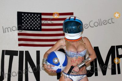 Nadeea, Pop Stars, American Flag, Nadeea Volianova, Gaspar Noé Photo - Nadeea Volianova