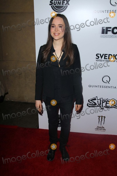 """Ellen Page Photo - Ellen Page at the """"Super"""" Los Angeles Premiere, Egyptian Theater, Hollywood, CA. 03-21-11"""