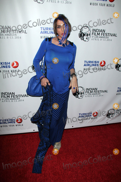 """Alexis Arquette Photo - Alexis Arquette at the Indian Film Festival Premiere of """"Sold,"""" Arclight, Hollywood, CA 04-08-14"""