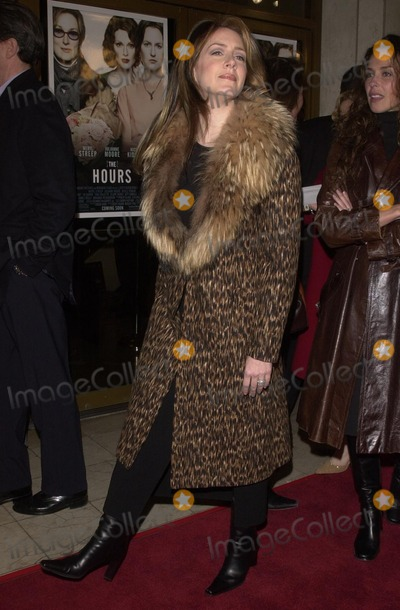 """Joely Fisher Photo - Joely Fisher at the premiere of Paramount's """"The Hours"""" at Mann National Theater, Westwood, Ca, 12-18-02"""