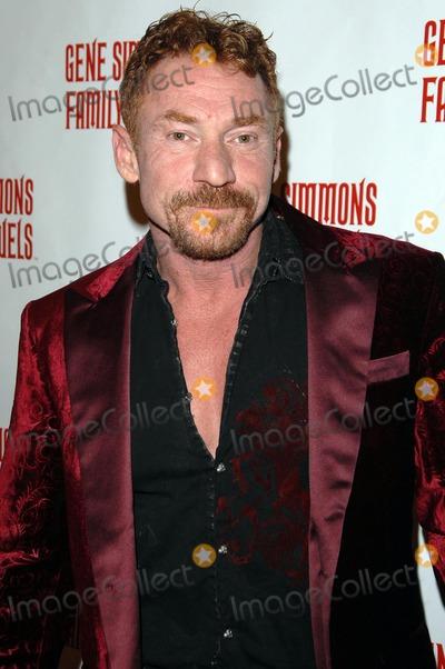 KISS - Friars Club Announce 2018 Celebrity Roast In Honour ...
