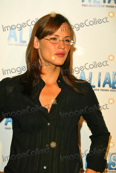 Jennifer Garner, Alias Photo - Jennifer Garner at the DVD Launch Party for Alias, the complete 3rd season at the Standard Hotel, Los Angeles, CA. 08-31-04