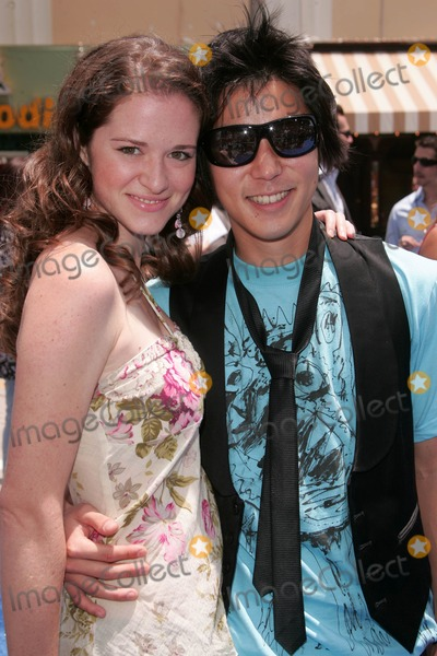 Aaron Yoo, Sarah Drew Photo - Sarah Drew and Aaron Yoo