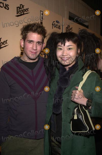Eric Szmanda, Akiko Photo - Eric Szmanda and date Akiko at E!'s Sizzling 16 awards for young performers, Club A.D., Hollywood, 01-30-02