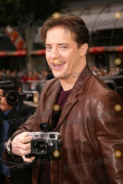 """Brendan Fraser Photo - Brendan Fraser at the World Premiere of Warner Bros. """"Looney Tunes Back In Action"""" at the Chinese Theater, Hollywood, CA 11-09-03"""