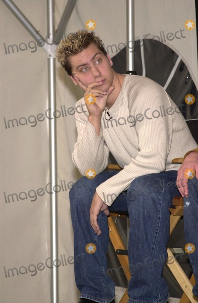 """Lance Bass Photo -  Lance Bass at a press conference to lend their name to the new Microsoft """"MSN Project,"""" Beverly Hills, 11-28-00"""