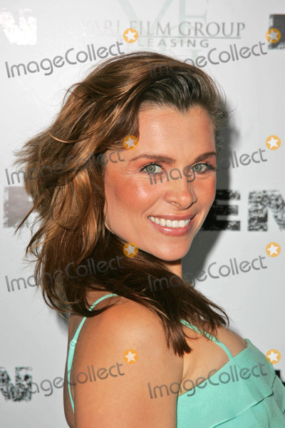 """Alicia Arden Photo - Alicia Ardenat the Los Angeles Premiere of """"Haven"""". Arclight Cinemas, Hollywood, CA. 09-12-06"""