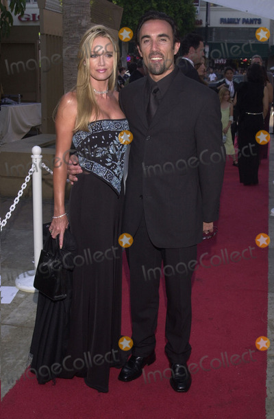 Francisco Quinn, Anthony Quinn Photo - Francisco Quinn and wife Julie at the Los Angeles Latino Film Festival awards ceremony and tribute to Anthony Quinn, Egyptian Theater, Hollywood, 07-28-01