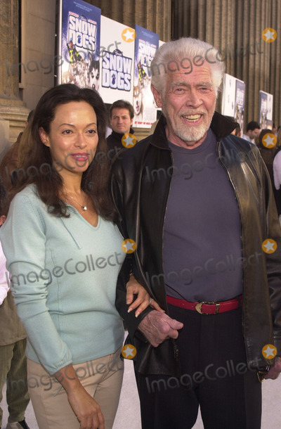 """James Coburn, Paula Guilló Photo - James Coburn and wife Paula at the premiere of Disney's """"Snow Dogs"""" at the El Capitan Theater, Hollywood, 01-13-02"""