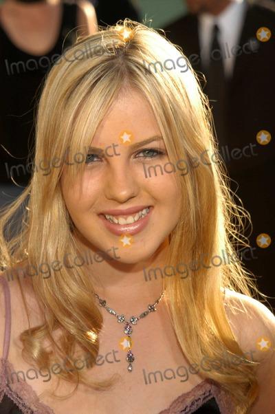 "Ashlie Brillault Photo - Ashlie Brillault at the Los Angeles Premiere of ""Uptown Girls"", Arclight Cinerama Dome, Hollywood, Calif., 08-04-03"
