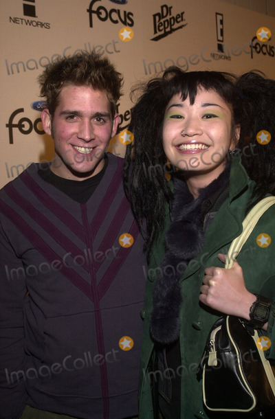 Eric Szmanda, Akiko Photo - Eric Szmanda and date Akiko at E!'s Sizzling 16 awards for young performers, Club A.D., Hollywood, 01-30-02
