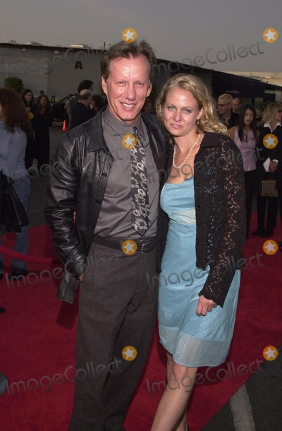 "James Woods Photo -  James Woods and Shaunna Loumeister at the premiere of Showtime's ""DIRTY PICTURES"" in Santa Monica, 05-23-00"