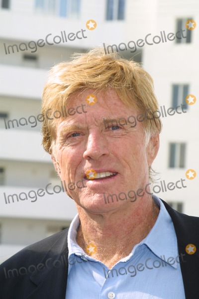 """Robert Redford Photo - Robert Redford at the opening of the NRDC's """"Green Building"""" named for Robert Redford, Santa Monica, CA 11-14-03"""