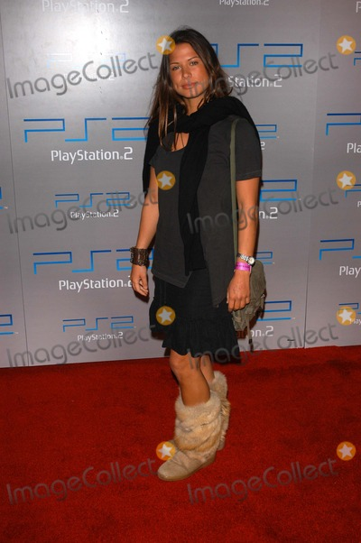 "Rhona Mitra Photo - Rhona Mitra at the ""Playa Del Playstation"" Playstation 2 Party, Viceroy Hotel, Santa Monica, CA 05-13-03"