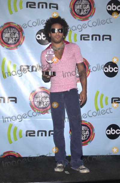 Lenny Kravitz Photo -  Lenny Kravitz at the 2001 Radio Music Awards, Aladdin Resort and Casino, Las Vegas, 10-26-01