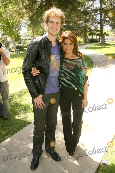 Paula Abdul Photo - Paula Abdul and Scott Macintrye