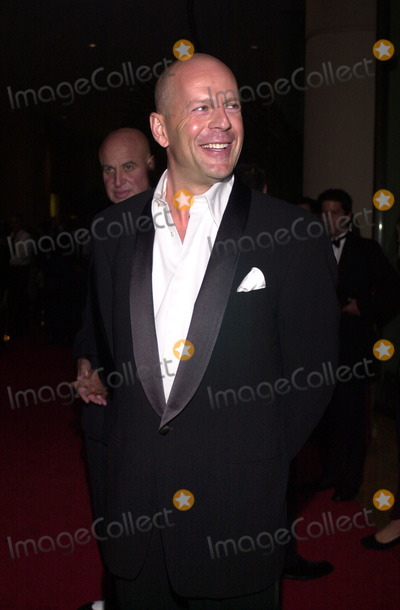 Bruce Willis Photo -  Bruce Willis at the Moving Picture Ball in Beverly Hills. 09-23-00