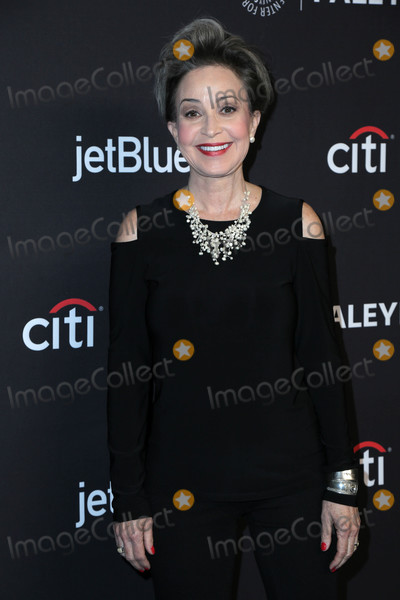 """Annie Potts, Big Bang Photo - Annie Potts at the 2018 PaleyFest Los Angeles - """"Big Bang Theory, Young Sheldon,"""" Dolby Theater, Hollywood, CA 03-21-18"""