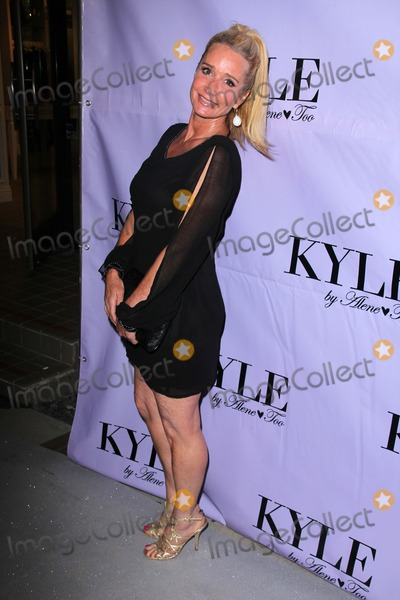 pre-opening-party-for-kyle-by-alene-too.jpg