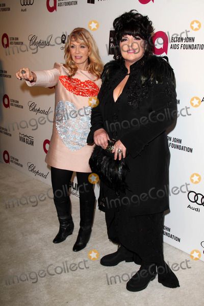 Ann Wilson, Elton John, Nancy Wilson Photo - Nancy Wilson, Ann Wilson