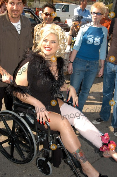 """Anna Nicole Smith, Queen, Hurts, The Cast Photo - Anna Nicole Smith arrives in a wheelchair after hurting her knee at The Abbey in West Hollywood for both the proclamation of """"Anna Nicole Smith Day"""" and the casting of drag queen Anna look-a-likes for the movie """"Wasabi Tuna"""" 02-18-03"""