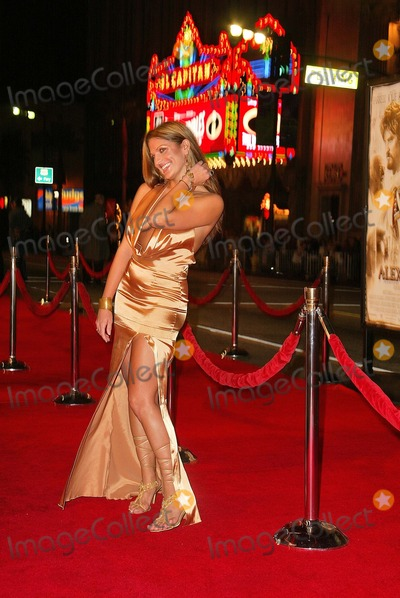 "Bridgetta Tomarchio Photo - Bridgetta Tomarchio wears ""Sexia"" at the world premiere of Warner Bros. ""Alexander"" at the Chinese Theater, Hollywood, CA 11-16-04"