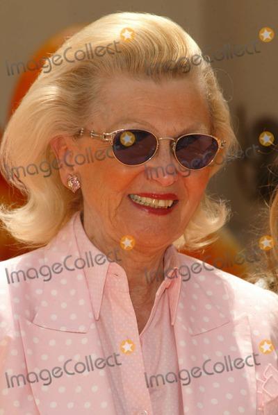 "Barbara Davis Photo - Barbara Davis at the World Premiere of ""Garfield: The Movie,"" Zanuck Theater,  Los Angeles, CA 06-06-04"