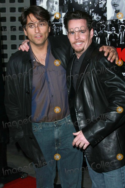 """Kevin Dillon, Vincent Spano Photo - Vincent Spano and Kevin Dillonat the premiere of """"Entourage"""" Season Three. Cinerama Dome, Hollywood, CA. 04-05-07"""
