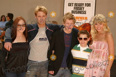 "April Matson, Jake McDorman, Johnny Lewis, Ryan Pinkson, Sarah Wright Photo - April Matson, Jake McDorman, Johnny Lewis, Ryan Pinkson and Sarah Wright at the World Premiere of ""Garfield: The Movie,"" Zanuck Theater,  Los Angeles, CA 06-06-04"