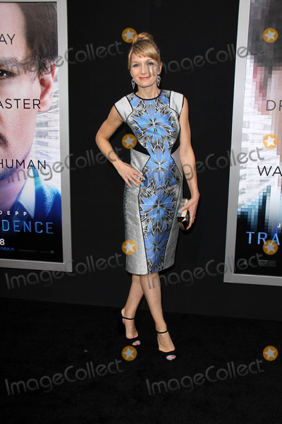 "Annie Marter Photo - Annie Marter at the ""Transcendence"" Los Angeles Premiere, Village Theatre, Westwood, CA 04-10-14"