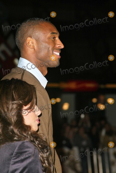 "Kobe Bryant Photo - Kobe Bryant at the world premiere of Warner Bros. ""Alexander"" at the Chinese Theater, Hollywood, CA 11-16-04"