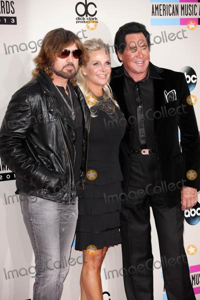 Billy Ray, Billy Ray Cyrus, Wayne Newton Photo - Billy Ray Cyrus, Wayne Newton at The 2013 American Music Awards - Arrivals , Nokia Theater, Los Angeles, CA 11-24-13
