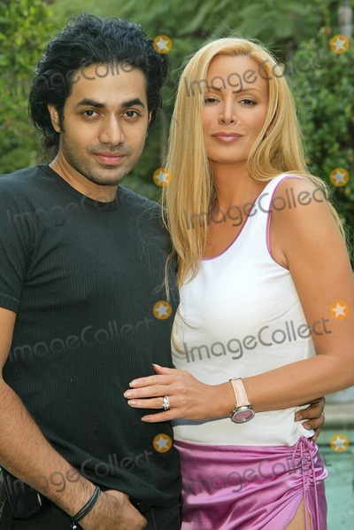 Cindy Margolis, Anand Jon, Four Seasons, The Four Seasons Photo - Cindy Margolis and designer Anand Jon Cindy Margolis poses with designer Anand Jon, The Four Seasons Hotel, Beverly Hills, CA 10-06-04