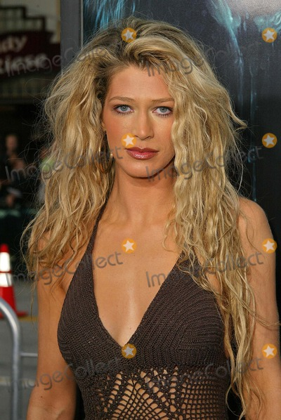 """Amber Smith Photo - Amber Smith at the premiere of Warner Bros. """"House of Wax"""" at Mann Village Theater, Westwood, CA 04-26-05"""