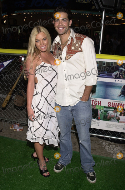 """Jesse Metcalfe, Colleen Shannon, Jesse Metcalf Photo -  JESSE METCALFE and COLLEEN SHANNON at the premiere of Warner Brother's """"Summer Catch"""" at Mann's Village Theater, Westwood, 08-22-01"""