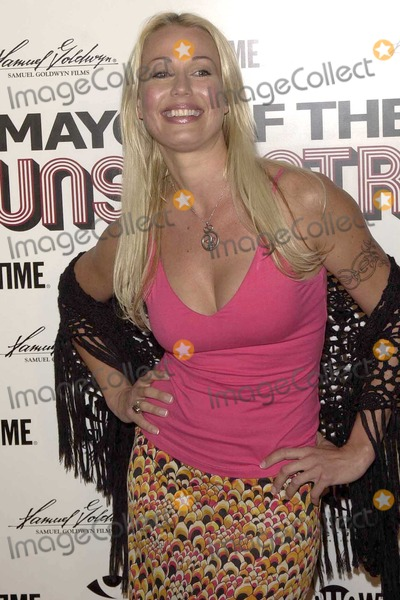 """Fiona Horne Photo - Fiona Horne at the Premiere of the """"Mayor Of The Sunset Strip"""" in the Egyptian Theater, Hollywood, CA. 03-22-04"""