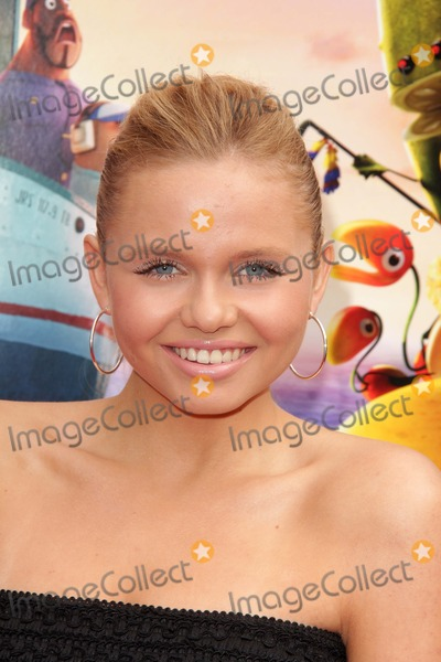 """Ali Simpson Photo - Ali Simpson at the """"Cloudy With A Chance of Meatballs 2"""" Los Angeles Premiere, Village Theater, Westwood, CA 09-21-13"""