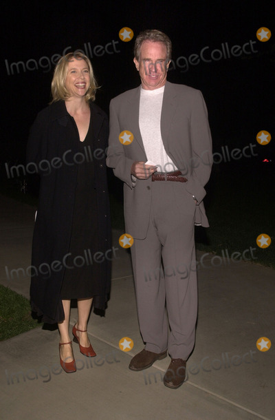 Warren Beatty, Annette Bening Photo -  Warren Beatty and Annette Bening at the Motion Picture and Television Fund's 80th Anniversary, MPTF Campus, Woodland Hills, 10-06-01