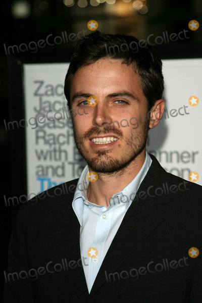 Casey Affleck, Kiss Photo - Casey Affleck