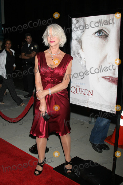 """Helen Mirren, Queen Photo - Helen Mirrenat the Los Angeles Premiere of """"The Queen"""". Academy of Motion Picture Arts and Science, Beverly Hills, CA. 10-03-06"""