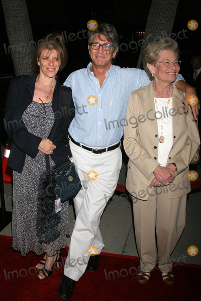 Eric Roberts, Queen Photo - Eric Roberts and family