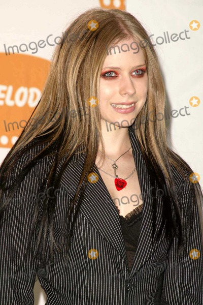 Avril Lavigne Photo - Avril Lavigne at Nickelodeon's 2004 Kid's Choice Awards in the Pauley Pavilion at UCLA, Westwood, CA. 04-03-04