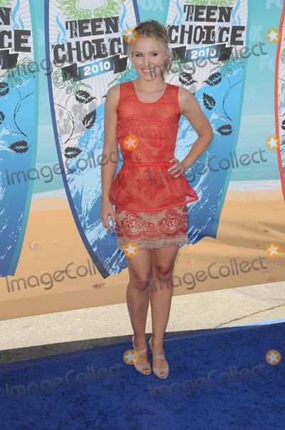 Kristen Bell Photo - Kristen Bell at the 2010 Teen Choice Awards - Arrivals, Gibson Amphitheater, Universal City, CA. 08-08-10
