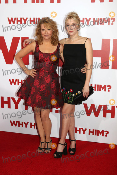 "Lea Thompson, Madelyn Deutch Photo - Lea Thompson, Madelyn Deutch at the ""Why Him?"" Premiere, Bruin Theater, Westwood, CA 12-17-16"