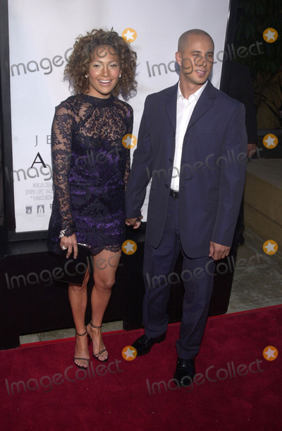 "Jennifer Lopez, Cris Judd, Angel Eyes, JENNIFER LOPEZ, Photo -  Jennifer Lopez and date Cris Judd at the premiere of Warner Brother's ""Angel Eyes"" at the Egyptian Theater, Hollywood, 05-15-01"