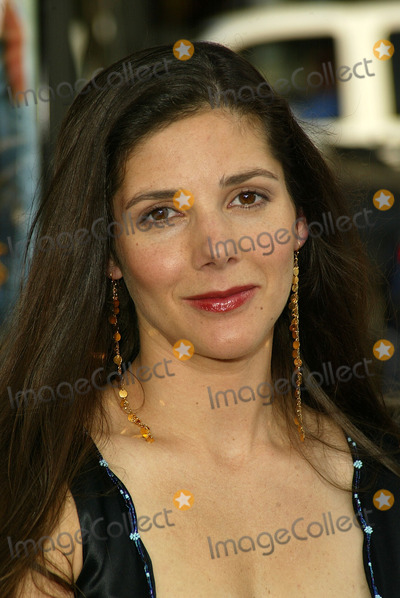 """Ann Brashares Photo - Ann Brashares at the World Premiere of Warner Bros. """"The Sisterhood of the Traveling Pants"""" at the Chinese Theater, Hollywood, CA 05-31-05"""